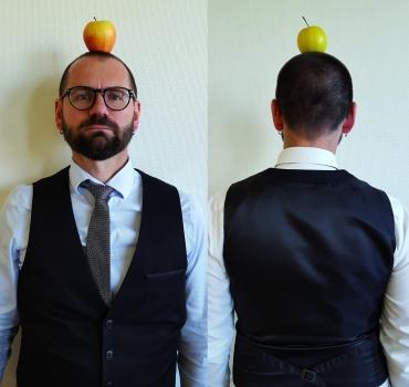 autoportrait pomme sur la tete photographie 2018